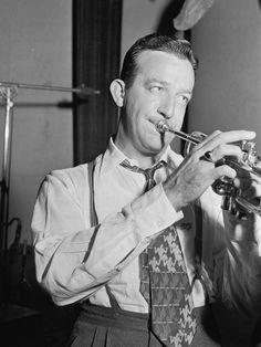 Portrait of Harry James, Coca Cola radio show rehearsal, New York, Aug. American Songs, Glenn Miller, Trumpet Players, Harry James, Swing Dancing, Jazz Musicians, Music Love, Pop Music, Chant