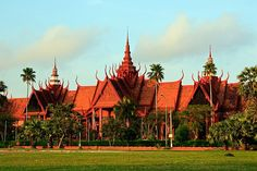 "Once famed as the ""Pearl of Asia"", the Cambodian capital, Phnom Penh, has lots to offer expats."