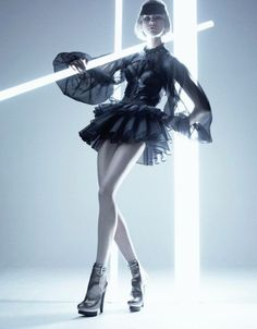 Zero Degrees Photographer: Jeffrey Graetsch Model: Katarina Ivanovska Magazine: Plastique – Explosive Fashion, Autumn/September 2007