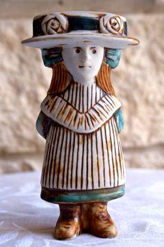 Lisa Larsson stoneware girl Julia - Sekelskifte group ABL-250