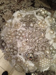 Broche bouquet---love this idea