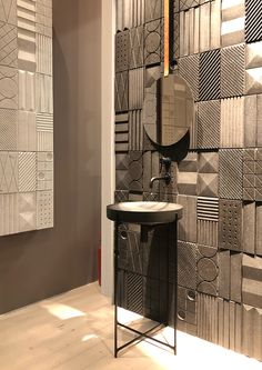 Grey Bathroom Tiles, Small Bathroom With Shower, Bathroom Tile Designs, Bathroom Design Luxury, Modern Bathroom Decor, Lavatory Design, Restroom Design, Entrance Design, Toilet Design