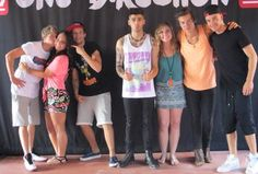Uhm okay. It's just not fair. Like ugh. I'm extremely jealous of the girl in the pink.