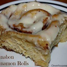 An easy, delicious Cinnamon Roll Recipe that is similar to that of Cinnabon Cinnamon Rolls. Pear Recipes, Pastry Recipes, Sweet Recipes, Cinnabon Cinnamon Rolls, Breakfast Recipes, Dessert Recipes, Delicious Desserts, Yummy Food, Morning Food