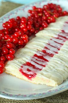 Red Currant Cookie Slices #RedCurrantWeek | JavaCupcake.com