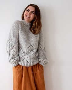 Ravelry: Magnolia Chunky pattern by Camilla Vad Cardigan Pattern, Sweater Knitting Patterns, Knitting Designs, Knit Patterns, Pink Cardigan, Knitting Ideas, Knitting Projects, Vogue Knitting, Baby Knitting