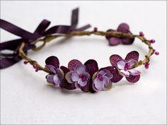 Couronne fleurie enfant: Mûre (prune et parme) : Accessoires coiffure par nuagecolore