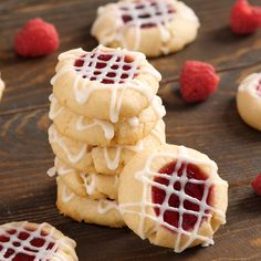 The ULTIMATE shortbread thumbprint cookies! I've made these countless times and everywhere I go they always disappear in no time! Desserts, desserts easy, desserts for a crowd, desserts for parties, dessert recipes Holiday Desserts, Holiday Baking, Christmas Baking, Easy Desserts, Delicious Desserts, Yummy Food, Christmas Treats, Christmas Parties, Holiday Recipes