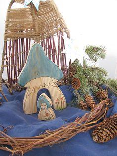 My winter nature table with beautifull Rjabinnik@etsy gnome house !!