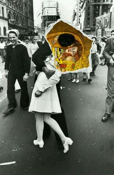 Such a beautiful collage , I found it online, I don't know who made it but such immense beauty, the kiss by Gustav Klimt and the most famous photograph V-J day in times Square.The Kiss. Art Pop, Photomontage, Dadaism Art, Fuchs Illustration, Collage Illustration, Art Du Collage, Collage Photo, Art Collages, Painting Collage