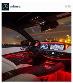 Mercedes Benz S550 with its amazing display
