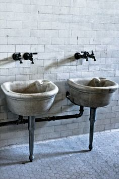 This picture reminds me of the bathroom Kira had and her first time seeing a tap.