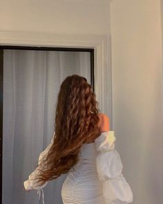 Down Hairstyles, Girl Hairstyles, Night Pictures, Tumblr Photography, Instagram Story Template, White Aesthetic, Girl Photos, Hair Makeup, Cute Outfits