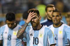 Messi tiró del carro de Argentina pero se acabó viendo solo ante Perú - NOTICIAS :) - http://www.marca.com/futbol/america/2017/10/06/59d6ec6022601d2b4c8b466b.html