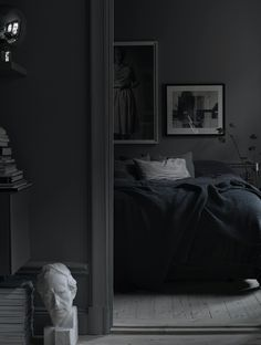 This is certainly not the first time you see this all dark home of Lotta Agaton online, but I felt like this gem couldn't be excluded from here. Lotta is famous for her perfect mixture of nordic and eclectic and … Continue reading →