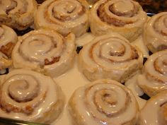 A Bear in the Kitchen: Bisquick Cinnamon Rolls