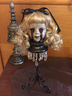 Horror Doll Spooky Doll Creepy Doll Haunted Scary Doll Head Zombie Gothic Old Halloween Prop, Halloween Projects, Diy Halloween Decorations, Holidays Halloween, Outdoor Decorations, Creepy Baby Dolls, Living Dead Dolls, Haunted Dolls, Doll Head