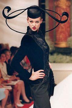 An Oscar de la Renta creation for Pierre Balmain, from the French fashion house's autumn/ winter 1995-96 couture show