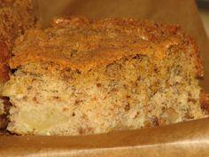Jak przygotować słodkie ciasto, które może być spożywane przez chorych na cukrzycę, zwanych diabetykami. Takie ciasto powinno spełniać określone warunki. Przepis na kukurydziano-orzechowe ciasto z jabłkami - dla diabetyków. Banana Bread, Food, Essen, Meals, Yemek, Eten
