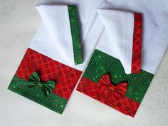 Christmas Tea, Christmas Sewing, Diy Christmas Tree, Christmas Stockings, Felt Crafts Diy, Crafts To Make, Shabby Fabrics, Hanging Towels, Xmas Decorations