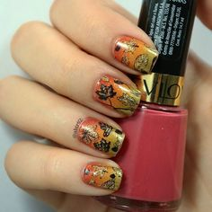 (Late & ugly) leaves #nailart to mark the beginning of fall! Shout out to everyone on the Southern hemisphere! . . . #ggfnachallenge #notd #nails #nailart #stamping #clearstamperadventures #gradient #nailstagram #instanails #latinanailgirls #nailpromote #followme #nailstoinspire #seasons #revlon #wnac2016
