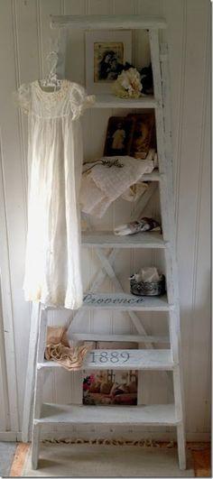 . Shabby Chic Cottage, Vintage Shabby Chic, Shabby Chic Homes, Shabby Chic Style, Shabby Chic Decor, Cottage Style, Vintage Decor, White Cottage, Old Ladder