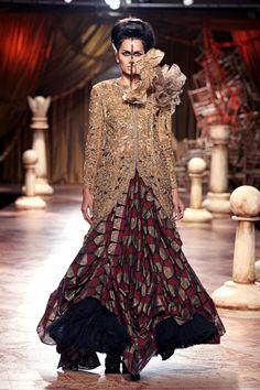PCJ Delhi Couture Week 2012 - Shantanu & Nikhil - Fashion Blog - For All Things Beautiful - The Purple Window