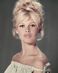 Probably the most beautiful woman that ever walked this planet and one of the greatest human beings that ever existed! The only person I would ever consider my role model besides my mother . A true angel. Only icon I would dream to meet one day. #true #inspiration #rolemodel #animallover #brigittebardot