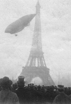 Paris, 20 November the ghostly form of an airship floats past an equally ghostly Eiffel Tower. It is Le Jaune, 'The Yellow', the first of the successful Lebaudy series of French semi-rigid airships. Paris 1900, Old Paris, Vintage Paris, Belle Epoque, Old Pictures, Old Photos, Vintage Photographs, Vintage Photos, Torre Eiffel Paris