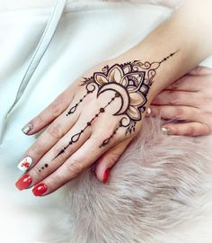 Henna Hand Designs, Henna Patterns Hand, Pretty Henna Designs, Latest Arabic Mehndi Designs, Stylish Mehndi Designs, Mehndi Designs For Hands, Henna Tattoo Designs, Henna Tattoo Hand, Hand Mehndi