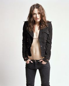 Photography Poses : – Picture : – Description ❤️ Keira Knightley -Read More – Hot Video, British Actresses, Hollywood Actresses, Celebrity Photos, Celebrity Style, Beautiful Celebrities, Beautiful Women, Photo Glamour, Keira Christina Knightley