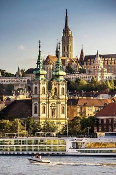 Budapest, Hungary - via Travelshare's page