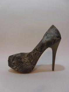 Scarpin em couro estilo pele de cobra  www.mulhervirtualonline.com.br