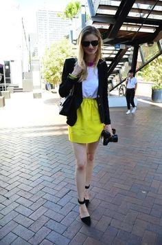 Yellow skirt (via daily addict)