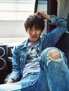 Actor Yoon Si Yoon recently posed for fashion magazine 'Allure', where he talked about his new drama 'The Best Shot'!The actor completed the … Asian Actors, Korean Actors, Korean Idols, Korean Drama, Incheon, Korean Celebrities, Celebs, Dong Gu, Jong Hyuk