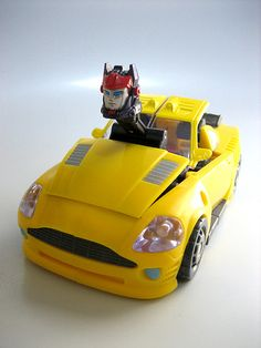 Hot Shot(Energon/SuperLink) Transformers Energon, Hot Shots, Yellow, Toys, Honey, Board, Lemon Yellow, Mustard, Activity Toys