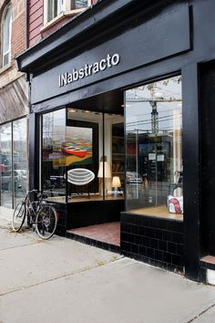 INabstracto, one of toronto's top mid-century modernand contemporary design destinations celebrates it's 16th yearin business. Opened in 2001 by collector Kate Eisen, and joined in 2010 with arti…