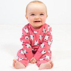 Salopetă bebelusi din bumbac organic certificat GOTS. Model prevăzut cu ..., pentru o îmbrăcare mai ușoară.   Compoziție 100% bumbac organic.   Mărimi disponibile 6-9 luni până la 9-12 luni. Serendipity, Kite, Mai, Claire, Onesies, Organic, Model, Clothes, Fashion