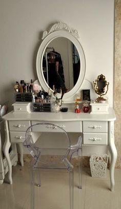 Make Up Corner...in my room...SOMEDAY...!!