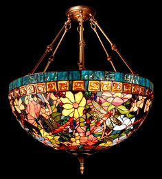 Stained Glass on Tiffany Lamp . Stained Glass Light, Tiffany Stained Glass, Tiffany Glass, Stained Glass Windows, Antique Lamps, Antique Lighting, Vintage Lamps, Leaded Glass, Mosaic Glass