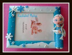 Decorated frame in foamy - Elsa de Frozen en goma eva con marco decorado. Brilla en la oscuridad.
