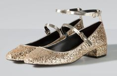 Zdjęcie numer 10 w galerii - Eleganckie i wygodne: buty na Sylwestra na płaskiej podeszwie Saint Laurent, Glitter Shoes, My Wardrobe, Salvatore Ferragamo, Walking, Flats, Shoe Shoe, Style, Fashion