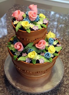 Flower pot cake--summer wedding Wouldnt want it. But what a cute fun idea Gorgeous Cakes, Pretty Cakes, Cute Cakes, Amazing Cakes, Crazy Cakes, Fancy Cakes, Take The Cake, Love Cake, Unique Cakes