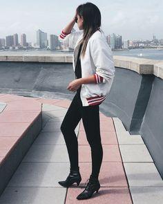 bomber-jacket-street-style-black-pants-boots