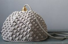 chunky crochet light 400x262 16 Crochet Lamps That Will Shed a New Light on Your Space