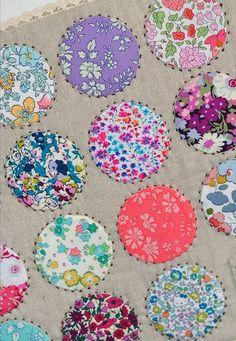 Down Grapevine Lane: On My Bookshelf: Sweetly Stitched Handmades (part – Handwerk und Basteln Circle Quilt Patterns, Circle Quilts, Scrappy Quilts, Mini Quilts, Baby Quilts, Liberty Quilt, Liberty Fabric, Liberty Of London Fabric, Scrap Fabric Projects