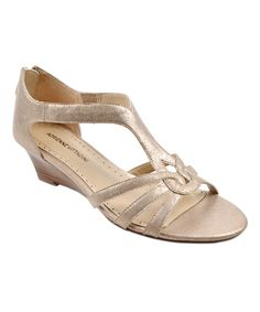 These would make great bridesmaids shoes.