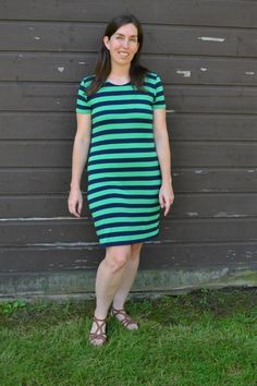 """""""The t-shirt dress is the easiest outfit for summer. It's also the comfiest! Use this step by step tutorial to make your own t-shirt dress out of yards of knit fabric. Tshirt Dress Pattern, Pillowcase Dress Pattern, Simple Dress Pattern, Girl Dress Patterns, Pillowcase Dresses, Skirt Patterns, Blouse Patterns, Simple Outfits, Simple Dresses"""