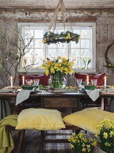 English House, Interior Stylist, Country Life, Easter Crafts, Stylists, Table Settings, Traditional, Table Decorations, Spring