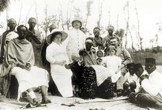 Image from https://ethnographyofpoliticalviolence.files.wordpress.com/2013/02/colonial.jpg.